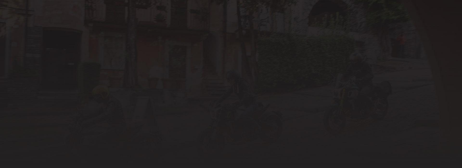 Motosalon - pozadí